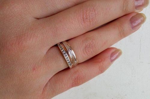 Видеть во сне обручальное кольцо на своем пальце на левой руке